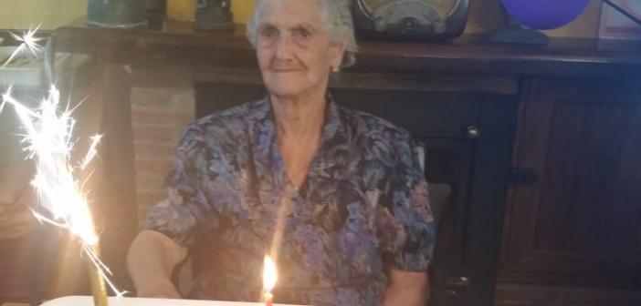 Campania: compie 100 anni e si iscrive alla Uilp. Auguri a Zì Nannina